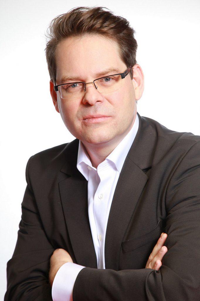Jan Peter Elsebach, Experte für professionelle Geräte im Wäschereibereich von Electrolux Professional